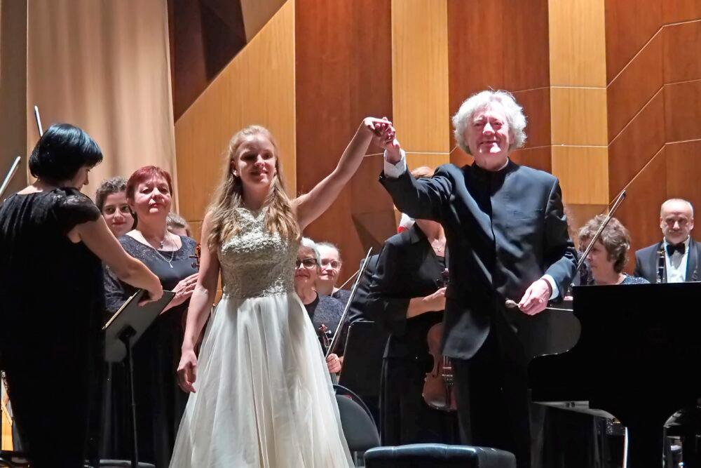 Маэстро Александр Анисимов и пианистка Софья Меньшикова представили в Воронеже русскую программу