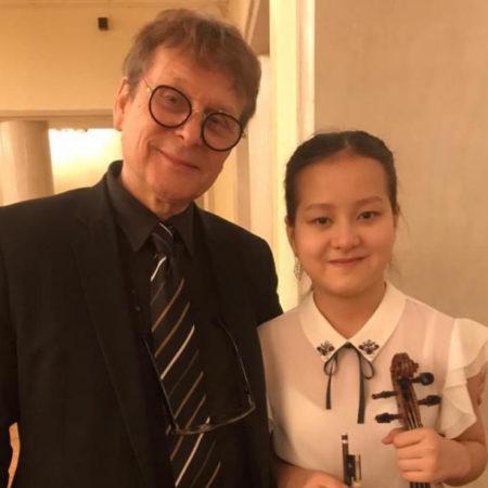 Скрипка из Франции для Марии в Приморье
