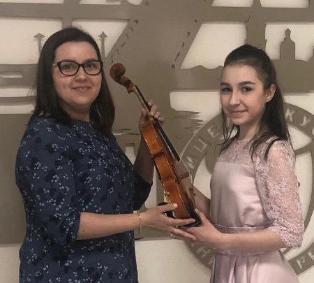 Скрипка в подарок Лицею искусств «Санкт-Петербург»